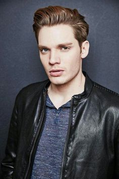 Last additions - sds 005 - Starring Dominic Sherwood Photo Gallery Shadowhunters Tv Show, Shadowhunters The Mortal Instruments, Dominic Sherwood Shadowhunters, Jace Wayland, Vampire Academy, Cassandra Clare, Hot Actors, Actors & Actresses, Shadow Hunters Cast