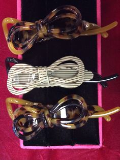 Double bow twist & lock in dark tortoise and black and white