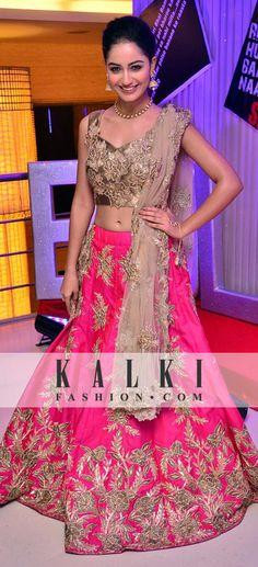 New Party Wear Indian Pakistani Bollywood Choli Lehenga saree Wedding Lehenga s Pakistani Dress Design, Pakistani Outfits, Indian Outfits, Lehanga Saree, Lehnga Dress, Patiala Salwar, Sharara, Traditional Dresses Designs, Bride Costume