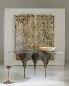 Furnishings at Carlo Showroom. - ELLEDecor.com