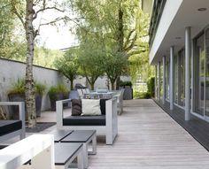 Portfolio van ontworpen en aangelegde luxe villatuinen. Bekijk de gerealiseerde stijlvolle villatuinen ontworpen door Martin Veltkamp.