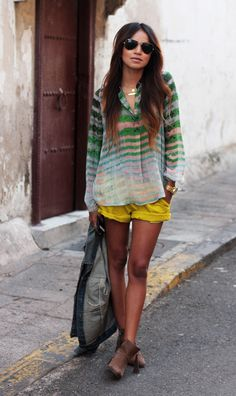 summer style, striped blouse, yellow shorts