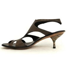 Womens Vintage Sandal *Slight color variations possible--call for leather-related inquiries.