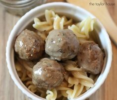 A simple slow cooker meal this fall for your family! Everyone loves Swedish Meatballs and this slow cooker version is easy and delicious! You're family wil Recipes Slow Cooker Swedish Meatball Recipe, Slow Cooker Recipe Book, Slow Cooker Recipes, Crockpot Recipes, Cooking Recipes, Tastee Recipe, Campfire Food, Meat Loaf, Crock Pot Cooking