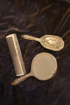 vintage silver vanity set... i have a set identical to this