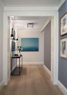 Piso Laminado: Dicas Inspirações Vantagens e Desvantagens Oak Hardwood Flooring, Grey Flooring, White Oak Floors, Light Oak Floors, Light Walls, Grey Kitchens, Floor Colors, Home And Deco, Grey Walls