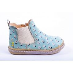 Never to young to start a shoe collection when boots come as cute… Little Girl Fashion, My Little Girl, Toddler Fashion, Kids Fashion, Baby Girl Shoes, My Baby Girl, Girls Shoes, Girl Boots, Kid Styles