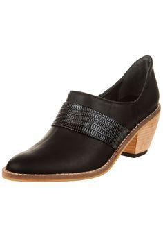 Zapato Negro Foglia Aldora