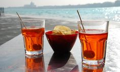 Spritz Iba Cocktails, Aperol Drinks, Easy Cocktails, Cocktail Recipes, Citrus Juice, Grapefruit Juice, Biscuits, Orange Twist, Orange Creamsicle