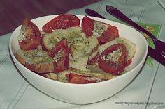 Jak by to nazwać?... pomidorowe bruschetty? Grzanki czosnkowe z pieczonymi pomidorami? Nazwijcie to jak chcecie :-) Ważne, że jest to bardzo smaczne!