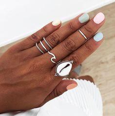 ¿Con cuál te quedas?👇 De izquierda a derecha: 1.NERESH, 2.LAHAR, 3.SAGARA y 4.VIMA (anillo midi) 💘 | www.sansarushop.com Aycrlic Nails, Nail Manicure, Pink Nails, Cute Nails, Pretty Nails, Hair And Nails, Different Color Nails, Vacation Nails, Nail Ring