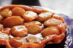 Franse tarte tatin - gebruik bladerdeeg ipv zelf deeg te maken voor een snelle variant.