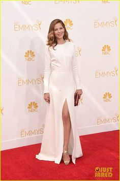 michelle monaghan alexandra daddario emmys 2014 01 Michelle Monaghan shows off her legs in a high-slitted dress at the 2014 Emmy Awards held at the Nokia Theatre L.A. Live on Monday (August 25) in Los Angeles.  …