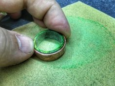 Full step by step instructions and tutorial on making a wooden ring from a copper pipe fitting with a wood layer. This is a comprehensive woodworking tutorial, and you can make a great looking ring. Woodworking Education, Woodworking Tutorials, Cool Woodworking Projects, Woodworking Shop, Woodworking Bench, Woodworking Beginner, Wooden Rings, Wooden Jewelry, Diy Rings Tutorial