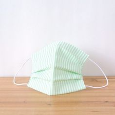 It is a mask of simple stripes. It fits well in the clothes of the natural taste.  TEMARIYA masks are all hand made with soft, skin-friendly double co...
