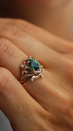 Beautiful Engagement Rings, Rose Gold Engagement Ring, Vintage Engagement Rings, Coloured Engagement Rings, Engagement Rings Without Diamonds, Gemstone Engagement Rings, Gemstone Rings, Emerald Wedding Rings, Diamond Wedding Bands