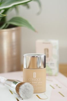 Looking to achieve that all important glow with your makeup? Take a look what I think about the latest release from Clinique, the Even Better Glow Foundation. Foundation Tips, Makeup Foundation, Foundation Application, Drugstore Makeup Dupes, Clinique Makeup, Contouring Makeup, Make Up Inspiration, Beauty Junkie, Body Creams
