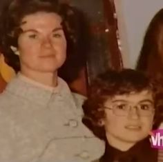 Young George Michael with his mother Michael Love, Michael Jackson, George Michael Young, I Want A Hug, Heather Lee, George Michel, Baby George, Beautiful Voice, Record Producer