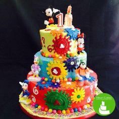 Get into the spirit of Disney! Must love Nikon Cakes! :D #nikoncakes #disney #foodporn #edibleart #sweet #birthdaycakes