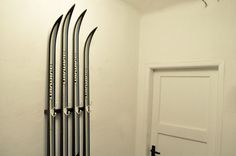 Diamantel / Coat hanger made of used cross-country skis Coat Hanger, Magnetic Knife Strip, Cross Country, Knife Block, Ski, Home Appliances, Furniture, Clothes Hanger, Electrical Appliances