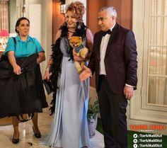 Evlerimizi yeniden neşelendiren #TürkMalı dizisinde Nergis Kumbasar 'a markamızı tercih ettiği için teşekkür ederiz. #alcheracom #alchera