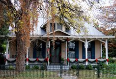 over50feeling40: King William: The Dollhouse District. Inspiration for the dollhouse.