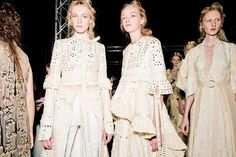 alexander mcqueen take us back to 17th century spitalfields for spring/summer 16 | look | i-D