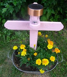 Father's Day idea :) solar light for grave site Grave Flowers, Cemetery Flowers, Funeral Flowers, Funeral Arrangements, Flower Arrangements, Graveside Decorations, Cemetary Decorations, Memorial Flowers, After Life