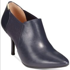 Navy pointed toe.....must have!!!!