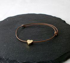 Lederarmbänder -  Freundschaftsarmband Lederarmband Herz  - ein Designerstück von Mirakel1807 bei DaWanda Hoop Earrings, Etsy, Vintage, Bracelets, Leather, Jewelry, Fashion, Handmade Gifts, Heart