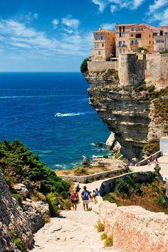 Bonifacio, Korsika – Frankreich – Vacation To World – Travel Destinations Places Around The World, Oh The Places You'll Go, Travel Around The World, Places To Visit, Top Travel Destinations, Places To Travel, Holiday Destinations, Travel Tips, Dream Vacations
