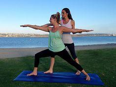 Йога – это наука, не зависящая от времени, и ее ценность для современного мира ничуть не меньше той, которой она обладала в прошлом. Многие врачи и специалисты в области здоровья осознали, что уровень йогических практик тантры далеко превосходят уровень «традиционной» медицины. Yoga Poses For Back, Easy Yoga Poses, Yoga Videos, Workout Videos, Yoga Routine For Beginners, Ayurveda Yoga, Yoga Courses, Free Yoga, Kundalini Yoga
