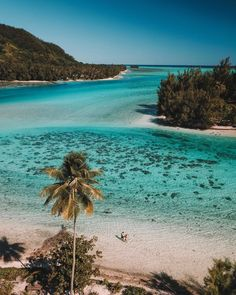 Moorea with Meryl Denis Air Tahiti, Moorea Tahiti, Cool Places To Visit, Places To Travel, Maldives, Polynesian Islands, Travel Alone, Ultimate Travel, Travel Aesthetic