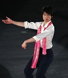 アイスショーで演技する町田樹