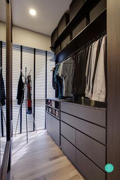 love the black-white shades and really hope there's space in my future dream home to fit a walk-in wardrobe this beautiful.