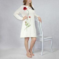 Bawełniana sukienka z kolekcji KWIATY POLSKIE -MAK- robiona na drutach, aplikacje naszywane ręcznie, rozm.36-40