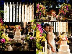 Casamento no campo: tradicional bolo de casamento com flores coloridas