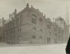 Anheuser-Busch Brewery Freezing House, Arsenal and Ninth Streets. (1895-1905) Missouri History Museum.