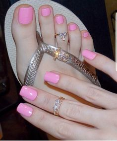 The best collection of 45 Fantastic Summer Nails Pretty Toe Nails, Cute Toe Nails, Sexy Nails, Pretty Toes, Manicure Y Pedicure, Pedicures, Pink Pedicure, Nice Toes, Beautiful Toes