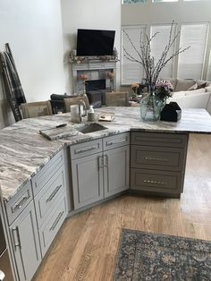 Gray J&K cabinetry with fantasy brown granite Grey Granite Countertops, White Cabinets White Countertops, Grey Kitchen Cabinets, Granite Kitchen, Kitchen Redo, Kitchen Layout, Kitchen Flooring, Kitchen Countertops, New Kitchen
