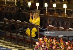 A guest adjusts her hat ahead of the wedding of Princess Eugenie of York and Mr. Jack Brooksbank at St. George's Chapel on October 2018 in Windsor, England. Get premium, high resolution news photos at Getty Images Princess Eugenie And Beatrice, Eugenie Wedding, Jack Brooksbank, Eugenie Of York, Windsor Castle, Prince William And Kate, Royal Weddings, British Royals, Windsor England