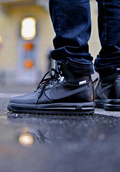 Nike Air force one sneakerboots. (via (1) FUKK FASHION)  More sneakers here.