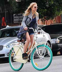 Kristen Bell's Bike with Teal Tires... NEED!