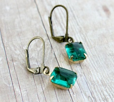 Emerald Earrings.Vintage Glass Stones by rosesandlemons on Etsy, $16.00