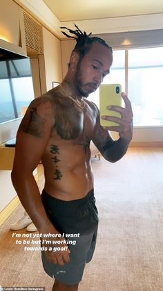 Lewis Hamilton displays his physique as he goes for early morning run F1 Lewis Hamilton, Lewis Hamilton Formula 1, Figure Competition Diet, Cute Black Guys, Squat Motivation, Daniel Ricciardo, Poses For Men, Michelle Lewin, Boxing Workout