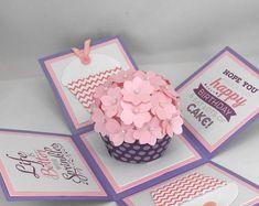 3d Birthday Card, Cupcake Birthday, Birthday Gifts, Cricut Birthday Cards, Purple Birthday, Happy Birthday, Diy Gift Box, Diy Gifts, Pink Cupcake