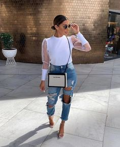 Fashion Dresses Pretty white sheer sleeved blouse with trendy ripped denim jeans. Classy Outfits, Stylish Outfits, Fashion Outfits, Womens Fashion, Fashion Trends, Fashion Fashion, Winter Fashion, Jeans Fashion, Outing Outfit