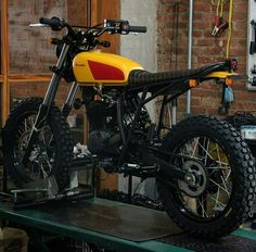 Take a look at a few of my most favorite builds - specialty scrambler designs like Cafe Racer Moto, Cafe Racing, Cafe Racer Bikes, Xt 600 Scrambler, Honda Scrambler, Scrambler Motorcycle, Tracker Motorcycle, Moto Bike, Custom Motorcycles