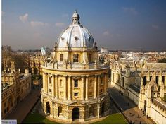 Top weekend getaways from London: Oxford has the oldest university of England.