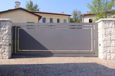Wondrous Fencing ideas for horses,Front yard fence gate and Wooden fence ideas. Fence Doors, Entrance Gates, Fence Gate, Fence Panels, Home Gate Design, Fence Design, Steel Gate, Steel Fence, Front Yard Fence